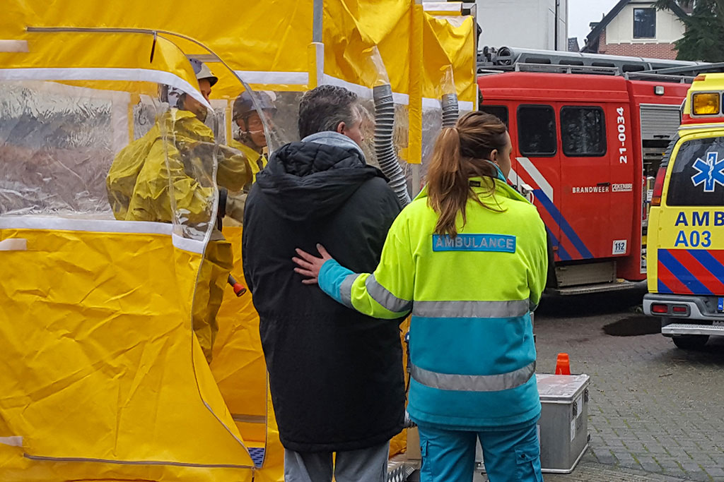CBRN decontaminatiesysteem van IMG Europe om CBRN slachtoffers te ontsmetten
