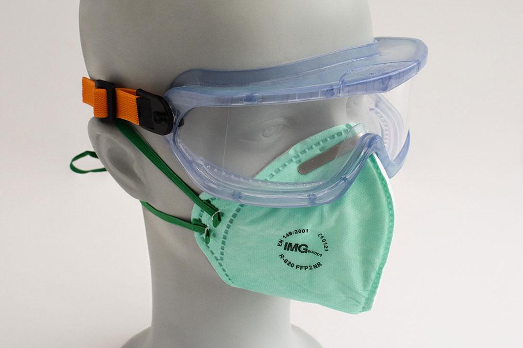 Adem- en gezichtsbescherming van IMG Europe, bestaande uit een veiligheidsbril en FFP2 mondmasker