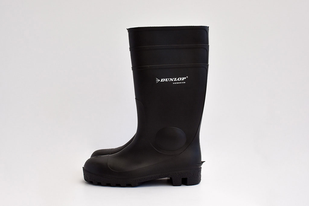 IMG Europe's protective clothing includes foot protection, such as safety boots